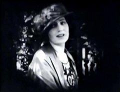 Kathleen-Kirkham-in-Beau-Revel-1921-3.jpg