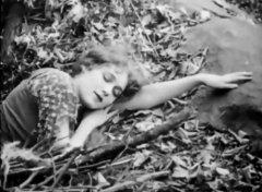 Mary-Pickford-in-Cinderella-1914-03.jpg