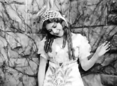 Mary-Pickford-in-Cinderella-1914-16.jpg