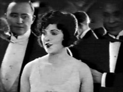 Jacqueline-Logan-in-Molly-O-1921-12.jpg