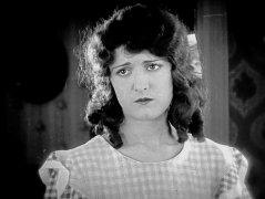Kathryn-McGuire-in-Sherlock-Jr-1924-06.jpg
