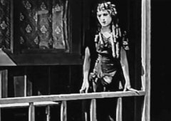 Mary-Pickford-in-Tess-of-the-Storm-Country-1914-3.jpg