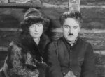 Charlie-Chaplin-and-Georgia-Hale-in-The-Gold-Rush-1925-19.jpg