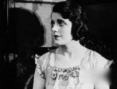 Alma-Rubens-in-the-gown-of-destiny-1917.jpg