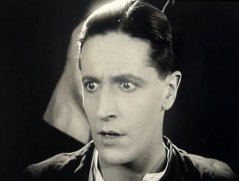 Ivor-Novello-in-The-Man-Without-Desire-1923-9.jpg