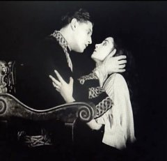 Nina-Vanna-and-Ivor-Novello-in-The-Man-Without-Desire-1923-8.jpg