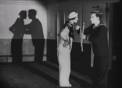 Buster-Keaton-and-Kathryn-McGuire-in-The-Navigator-1924-04.jpg