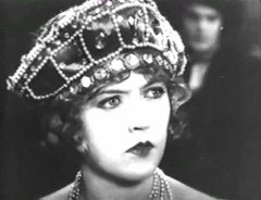 Marion-Davies-in-When-Knighthood-Was-in-Flower-1922-6.jpg