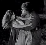 Lon-Chaney-and-Patsy-Ruth-Miller-in-The-Hunchback-of-Notre-Dame-1923-9.jpg