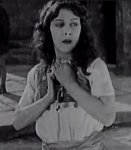 Patsy-Ruth-Miller-in-The-Hunchback-of-Notre-Dame-1923-21.jpg