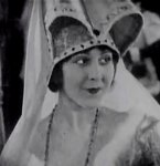 Patsy-Ruth-Miller-in-The-Hunchback-of-Notre-Dame-1923-27.jpg