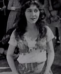 Patsy-Ruth-Miller-in-The-Hunchback-of-Notre-Dame-1923-8.jpg