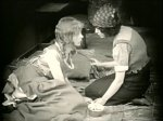 Lillian-Gish-and-Dorothy-Gish-in-Hearts-of-the-World-1918-director-DW-Griffith-cinematographer-Billy-Bitzer-27.jpg