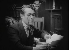 Henry-Walthall-in-The-Avenging-Conscience-1914-director-DW-Griffith-cinematographer-Billy-Bitzer-01.jpg