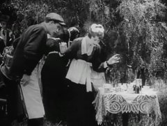 Robert-Harron-and-Mae-Marsh-in-The-Avenging-Conscience-1914-director-DW-Griffith-cinematographer-Billy-Bitzer-04.jpg