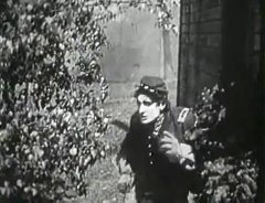 Charles-West-in-The-Battle-1911-director-DW-Griffith-cinematographer-Billy-Bitzer-03.jpg