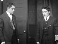 Lionel-Barrymore-and-Henry-Walthall-in-The-Burglars-Dilemma-1912-director-DW-Griffith-cinematographer-Billy-Bitzer-10.jpg
