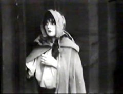 Mae-Marsh-in-The-Little-Tease-1913-director-DW-Griffith-cinematographer-Billy-Bitzer-11.jpg