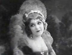 Mary-Pickford-in-Dorothy-Vernon-of-Haddon-Hall-1924-01.jpg