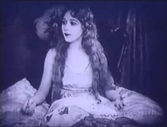 Mary-Pickford-in-Rosita-1923-11a.jpg