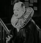 Lon-Chaney-in-He-Who-Gets-Slapped-1924-18.jpg