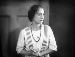Jenny-Hasselqvist-in-The-Hell-Ship-1923-5.jpg