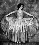 Alice-Day-nice-dress.jpg