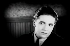 Ivor-Novello-in-The-White-Rose-1920-13.jpg