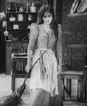 Florence-La-Badie-in-Cinderella-1911.jpg