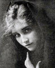 Florence-La-Badie-in-The-Fugitive-1916.jpg