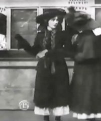 Florence-Lawrence-in-The-Girls-and-Daddy-1909-director-DW-Griffith-00.jpg