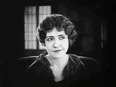 Florence-Turner-in-All-Dolled-Up-1928-12.jpg