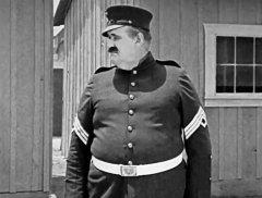 Joe-Roberts-in-The-Misfit-1924-07.jpg