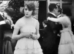 Martha-Mansfield-Max-in-a-Taxi-1917-11.jpg