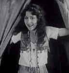 Patsy-Ruth-Miller-in-The-Hunchback-of-Notre-Dame-1923-01.jpg
