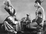 Snitz-Edwards-and-Anna-May-Wong-in-The-Thief-of-Bagdad-1924.jpg